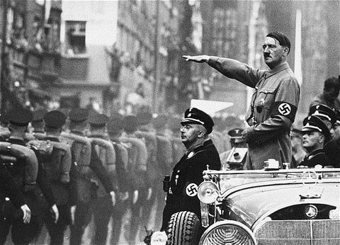 Hitler in car